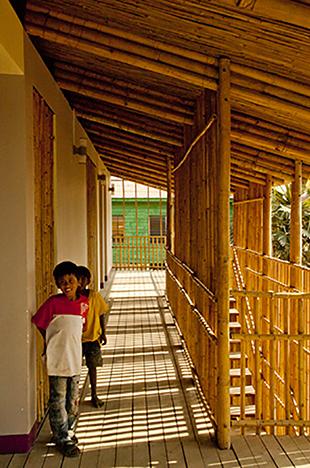 KKYC_Children on upper terrace_Susanna Alatalo