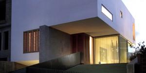 Chris Briffa architects – Hanging home, 2011